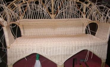 Restauration d'un canapé en rotin